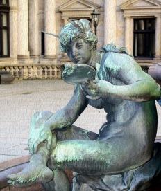 mirror statue