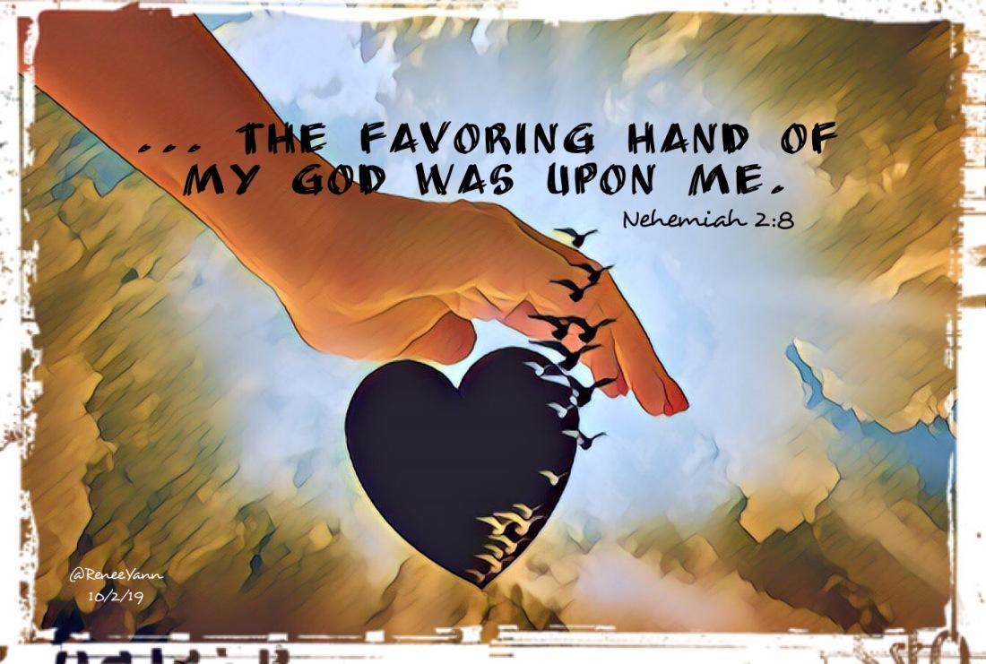 Neh2_8 favor hand